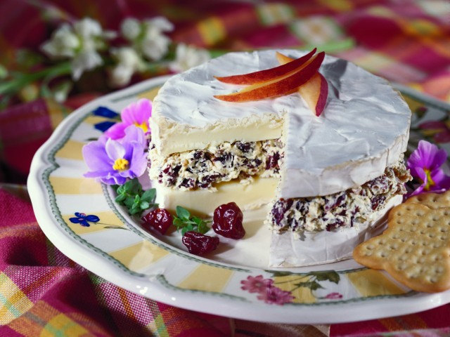 Brie Torte with Dried Cherries